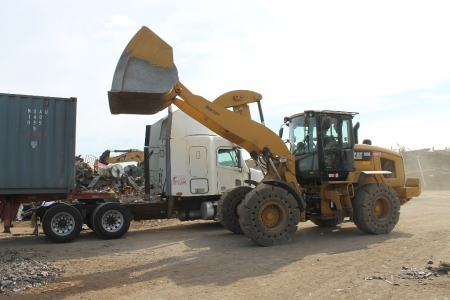 loading-scrap-metal-for-recycling-plant-stockton