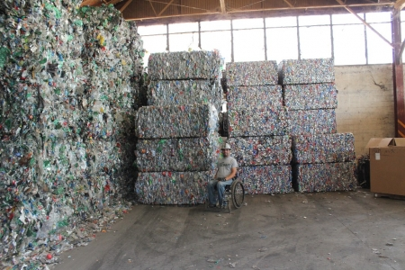 tons-of-aluminum-cans-for-recycling