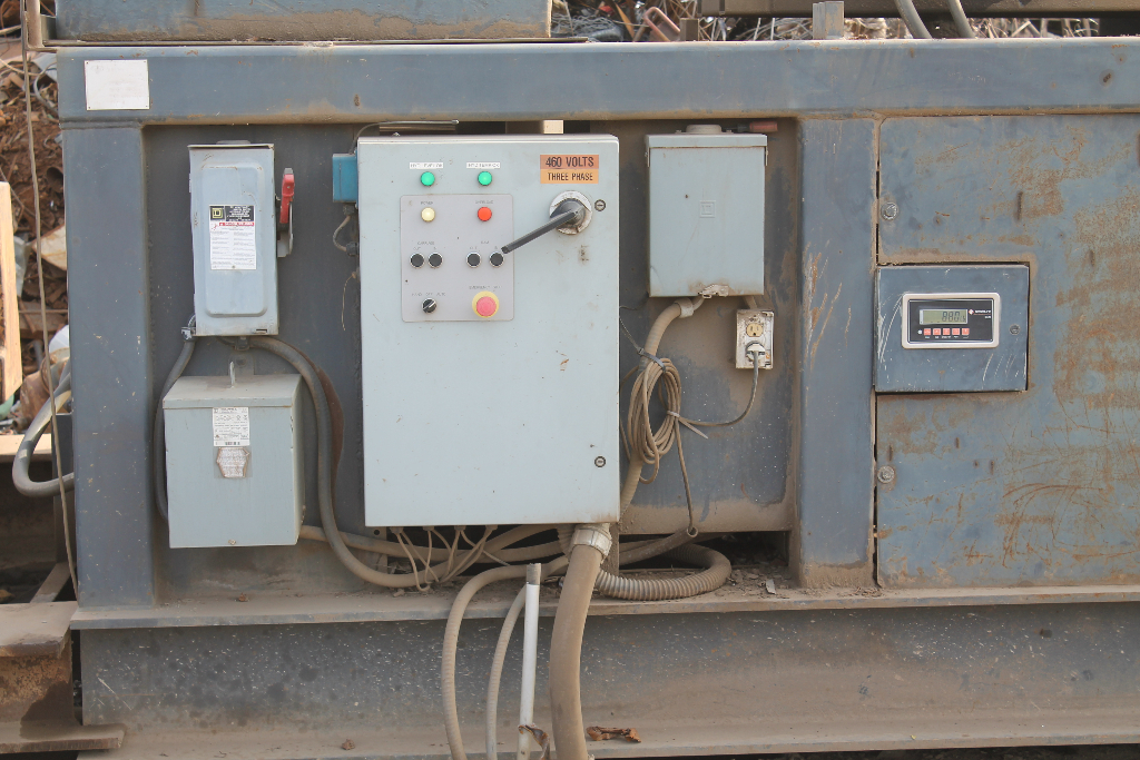 controls-scrap-metal-truck-loader-stockton