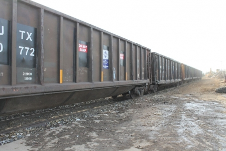 railroad-cars-for-recycle-transport-stockton