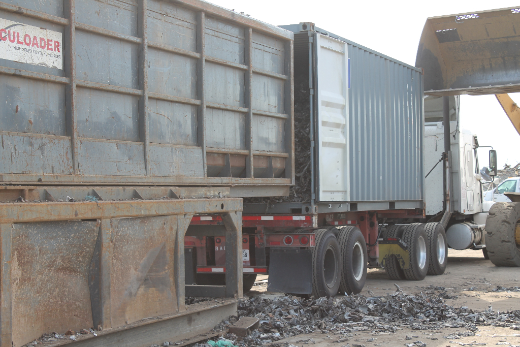 scrap-metal-loading-for-transport