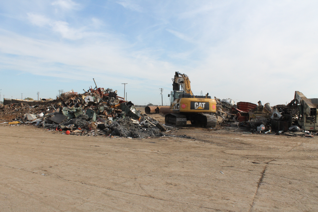 sort-scrap-metal-for-recycling
