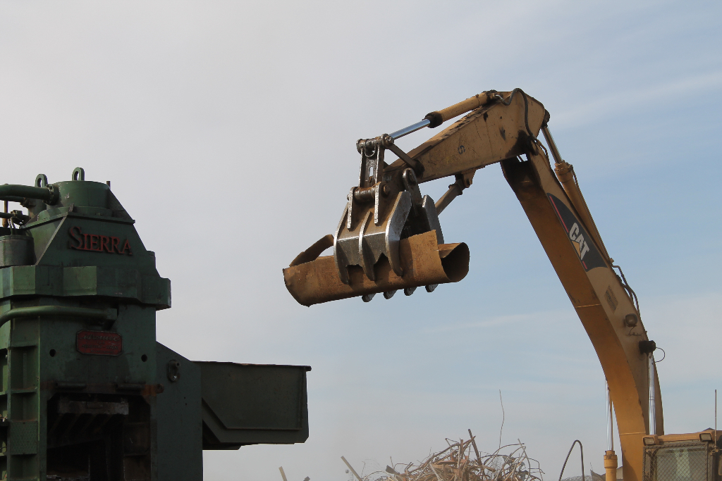 sorting-crushing-commercial-scrap-metal