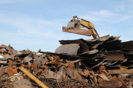 sorting-scrap-metal-in-stockton